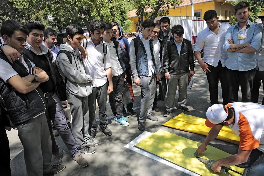 Standart İzolasyon Gençlerle Bir Araya Geldi